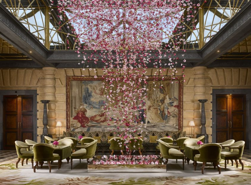 In the mood: Every three months, colors, fabrics and floral decorations create a Metropole Mood, from the lobby to the restaurant, and even on the staff scarves.